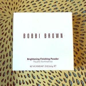 Bobbi Brown Brightening Finishing Powder